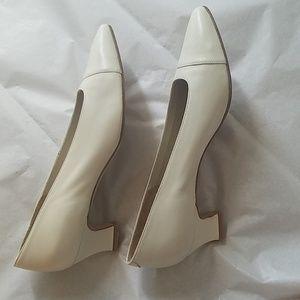"Evan Picone Shoes - Evan Picone 2"" Heels Leather 8.5 EUC"